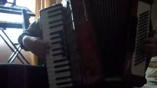 Poranne granie na akordeonie :)