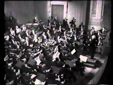Leopold Stokowski conducts Tchaikovsky's 5th Symphony (2nd mov) at Carnegie Hall, in 1947