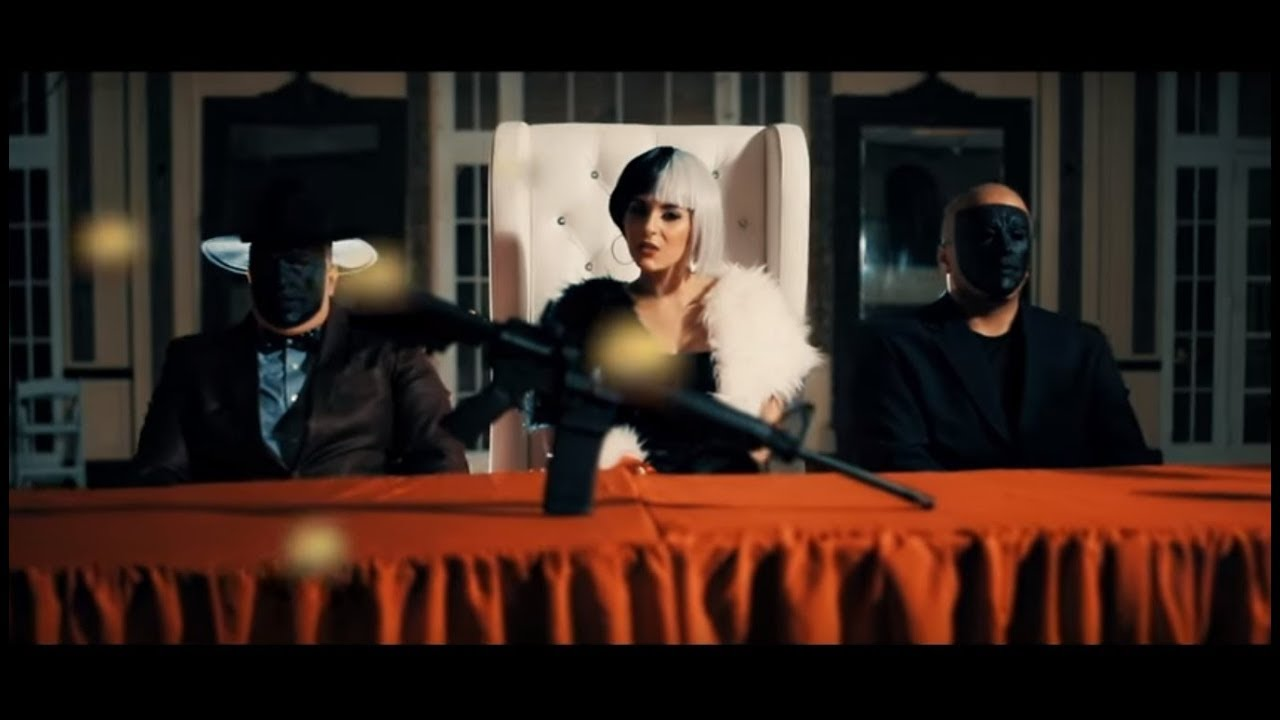 Download Darlene - Mueran Perras (Video Oficial)