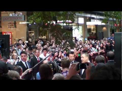 The Australian Premiere of Les Miserables HD - The Arrival of Hugh Jackman & Russell Crowe (Pt 2)