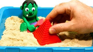 Baby Hulk playing in the sand 💕 Play Doh Stop motion videos for children