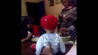 Video Ainayya Shakila Fathiyyaturahma Lagi Makan Westlife Jedug download MP3, 3GP, MP4, WEBM, AVI, FLV Oktober 2018
