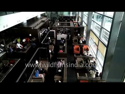 Hyderabad International Airport : fast drive to departures