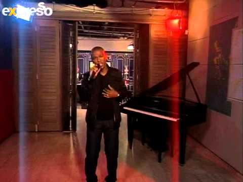 Zwai Bala performs