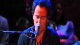 "Bruce Springsteen performs  ""Shut Out the Light"" 2005"