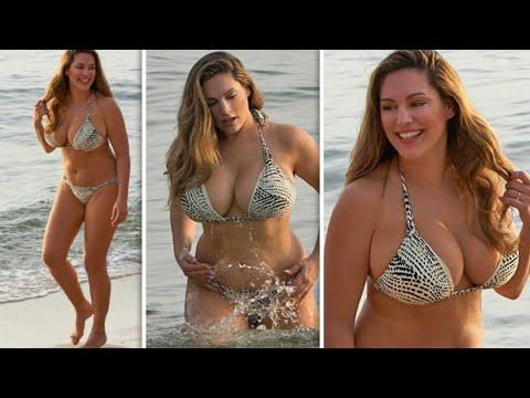 Kelly Brook : hot sexy body bikini thumbnail