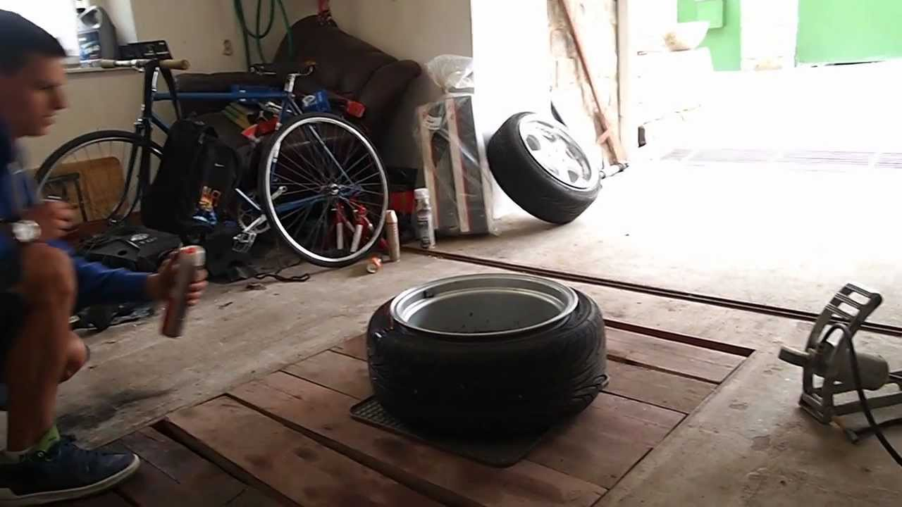 tyre stretch with hairspray 205 45 r17 on 9j youtube. Black Bedroom Furniture Sets. Home Design Ideas