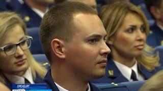 В Соль Илецке прокурор в отставке Михаил Харламов презентовал свою первую книгу
