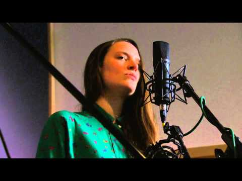 The Staves:  - 'Mexico' | The Bridge 909 in Studio
