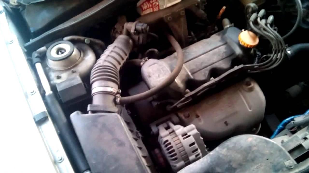 почему троит двигатель ?