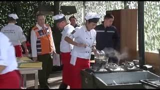 Этап конкурса «Полевая кухня» — приготовление блюд из одинаковых ингредиентов