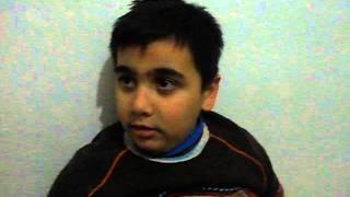عمر طفل سوري جبلاوي يبكي لانه يريد القتال مع الجيش الحر