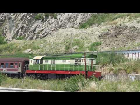 Treni Xhiruar Prane Shkembit te Kavajes (D.12.06.2011) Durres Albania