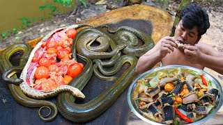 Cooking Venomous Snake Egg Recipe - Cooking Snake Meat Soup in Pan Fry eating so delicious
