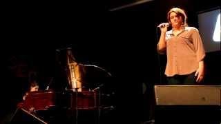 Ne les écoute pas - Myriam Deroy & Gabrielle Arbour-Fillion