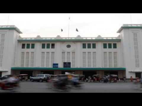 RFI Khmer News; ប្រជាសហគមន៍ផ្លូវរថភ្លើង ទាមទារអោយ ADB ធានាថាពួកគេនឹងមិ