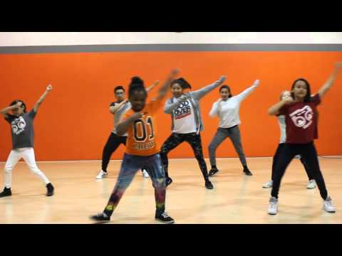 this-is-living-now-hillsong-claire-lewis-at-beatitudes-dance