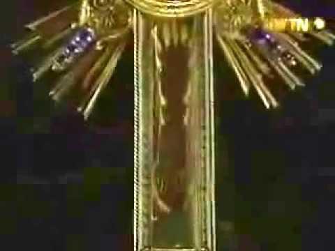 Restos de la cruz de cristo que se conservan youtube for Donde queda santa cruz