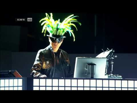 Pet Shop Boys - Being Boring (live)