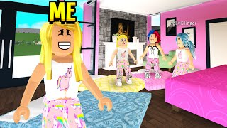 GIRLS ONLY Sleepover Had A CREEPY TWIST.. I EXPOSED IT! (Roblox Bloxburg)