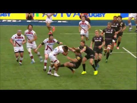 Viliami Fihaki bounces off Duncan Taylor