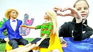 Барби едет в отпуск. Игры для девочек с куклами Барби
