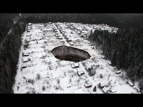 MASSIVE 30-40 METERS WIDE SINKHOLE APPEARS IN RUSSIA, NOVEMBER 24, 2014
