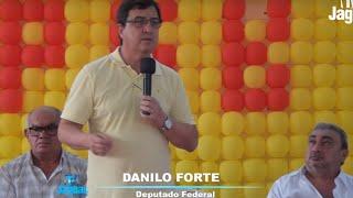 Deputado federal Danilo Forte em pronunciamento no encontro do PSB em Russas