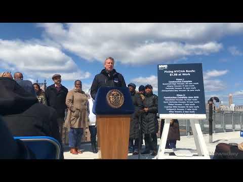 Newsday: Mayor Bill de Blasio discusses NYCHA at Queensbridge Houses
