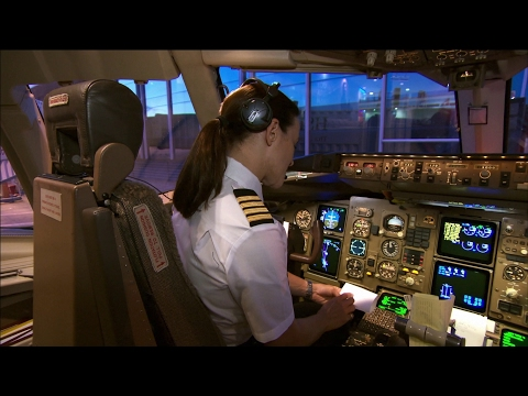 Qantas 767 Cockpit - Sydney Airport