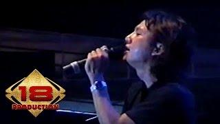 Download Lagu Caffeine - Aku Takkan Memiliki  (Live Konser Purwakarta 15 Agustus 2006) mp3