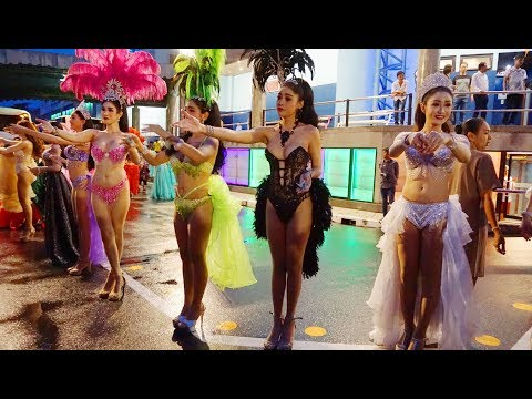 Cận cảnh các Thiên thần chuyển giới Thái Lan   Alcazar Show ở Pattaya   Color Trip