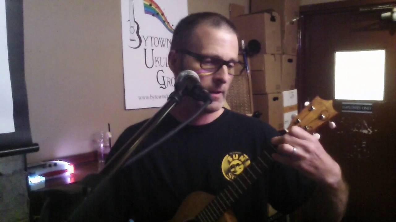 Bug mona lisa nat king cole ukulele cover by robert youtube mona lisa nat king cole ukulele cover by robert hexwebz Gallery