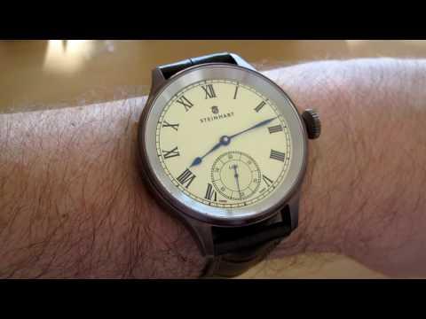 Steinhart Marine Chronometer am Arm
