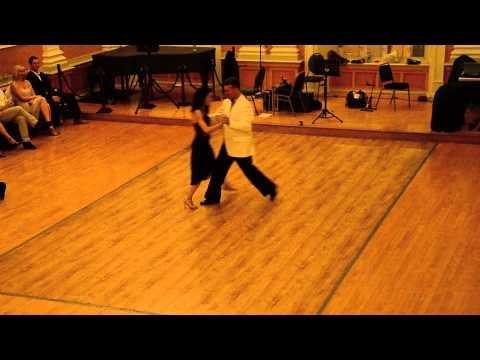 Damian Thompson and Mariana Ancarola - El Flete