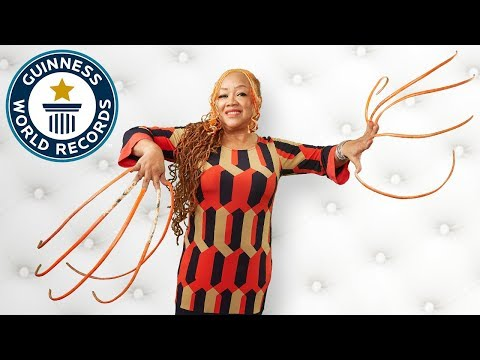 Longest Fingernails - Meet the Record Breakers