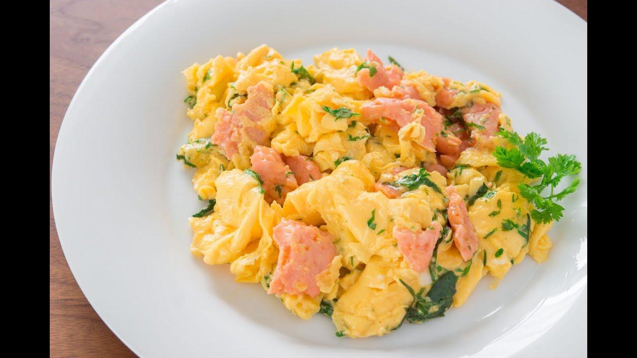 Salmon Herb Scrambled Eggs - YouTube