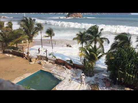 Mar de fondo en crowne plaza hotel. Acapulco.