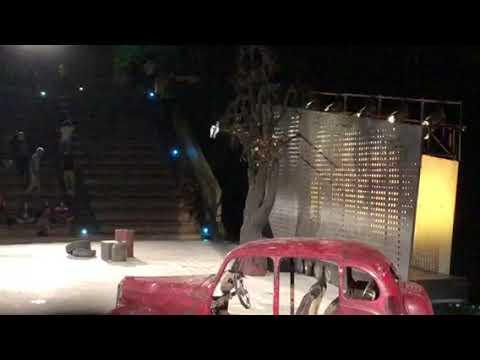 Περιμένοντας τον Γκοντό - Γιάννης Κακλέας - Χειροκρότημα - StellasView