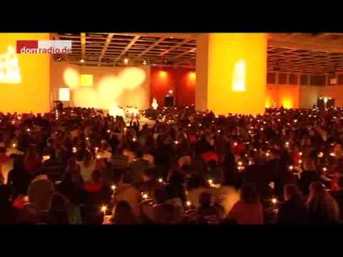 Taize Berlin 2011 - Evening prayer 31-12-2011 LIGHTS