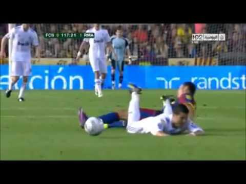 Cristiano Ronaldo'dan Messi'ye Müthiş Çalım Ve Arap spikerin hatim indirmesi :D