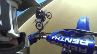 1998 Yz250 vs 2004 Yz250f dirtbike race on beach
