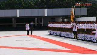 Qatar Emir welcomed at Dewan Rakyat by Agong, PM