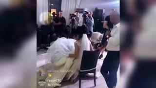Свадьба Мусульбес: ловят букет невесты и подвеску (ondom2.com)