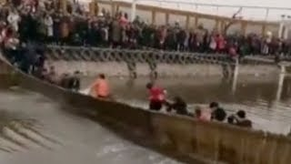 Anger as bouncing tourists collapse footbridge in central China