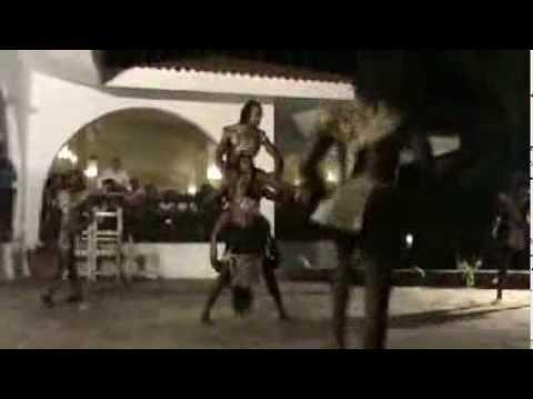 Kenya - acrobatics