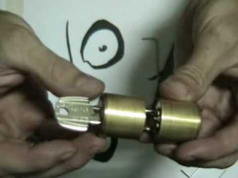Desmontar bombin cerradura tesa