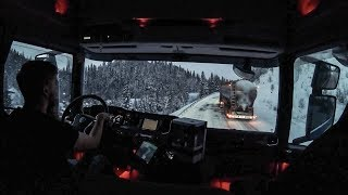 TRUCKS STUCK ON AN ICY HILL IN SWEDEN!