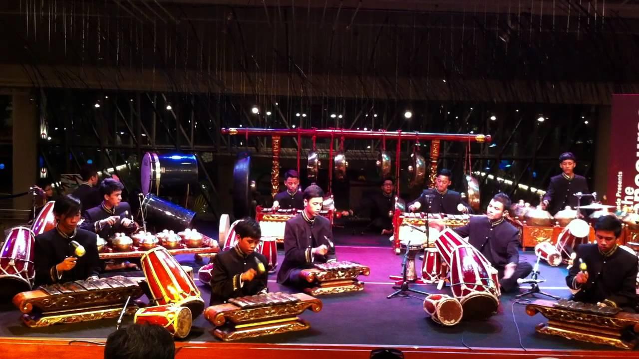 Demonstration on Thai Musical Instruments - YouTube |Sep Nyai Instrument