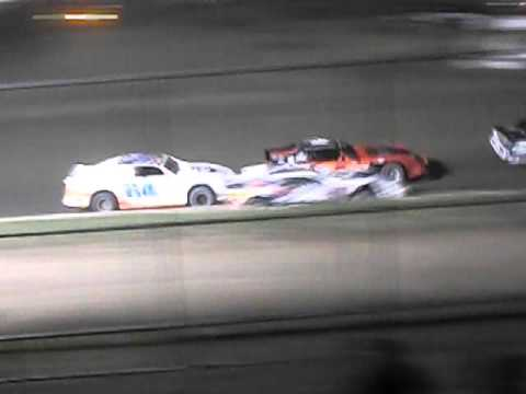 5 Mile Point Speedway - Street Stock feature 10/31/15